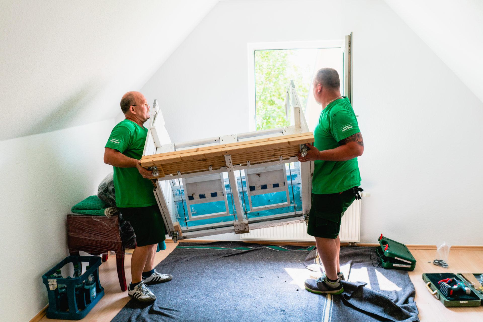 Möbel tragen Seffner Umzüge