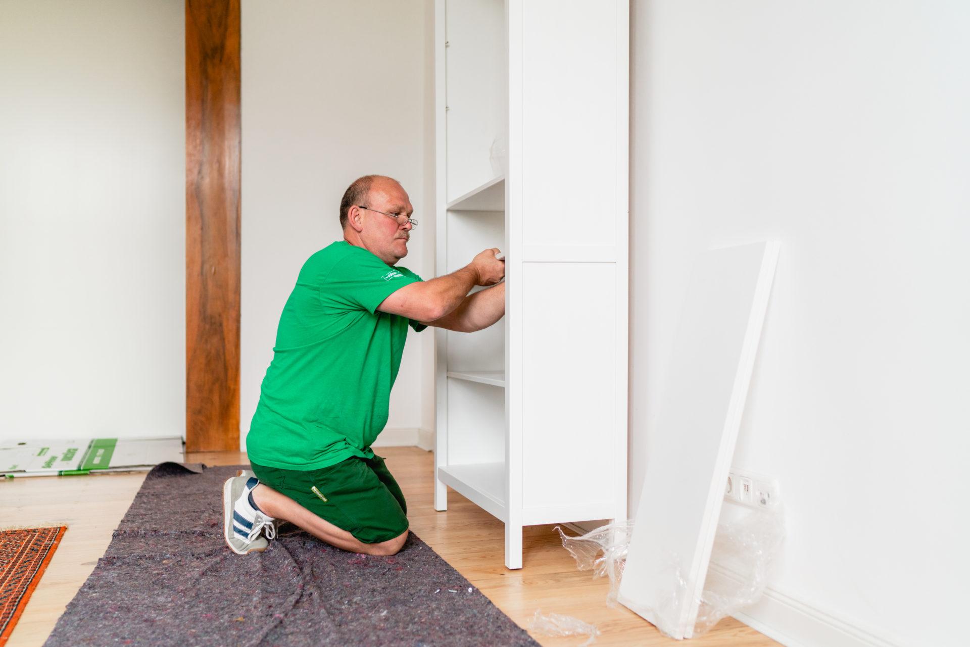 Aufbau von Möbeln Seffner Umzüge