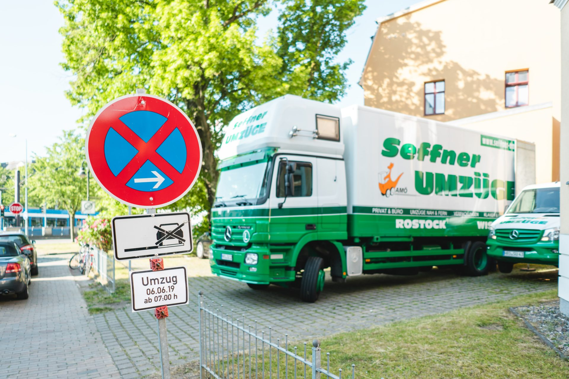 Umzugswagen in Halteverbotszone Seffner Umzüge